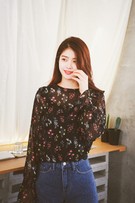 flower kara, blouse