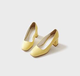 a pastelist, shoes