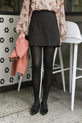 both slit, skirt
