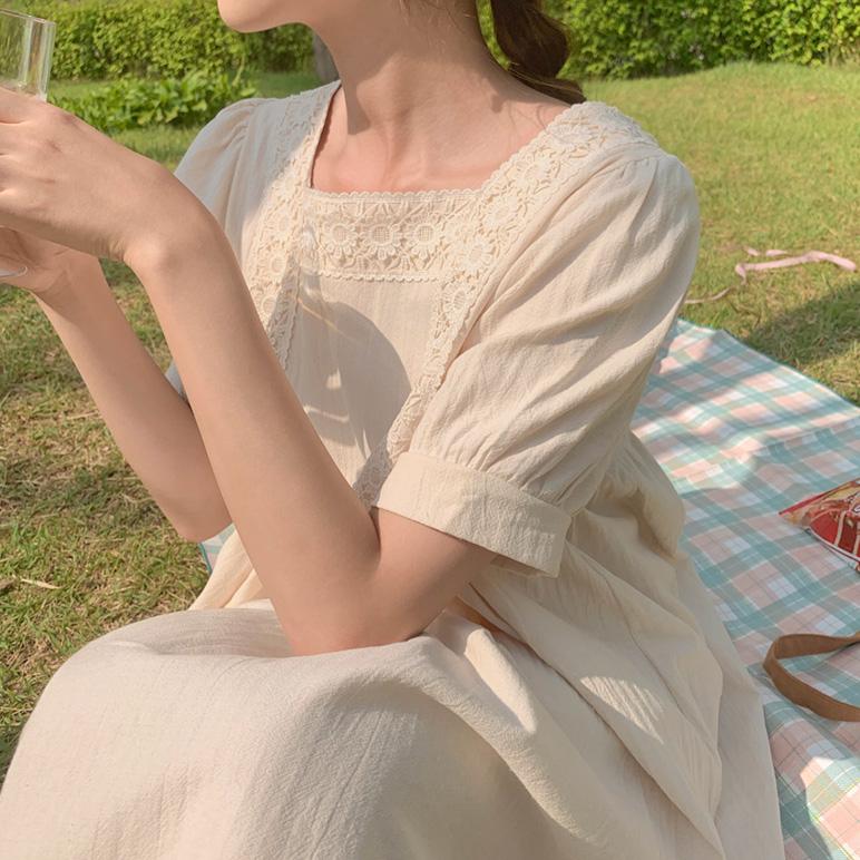 蕾丝宽松连衣裙