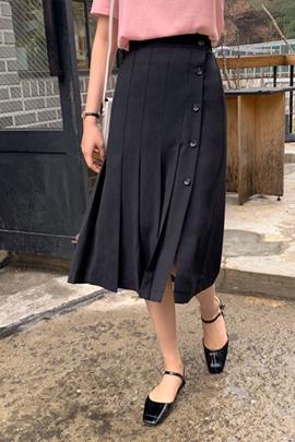 纽扣百褶半身裙