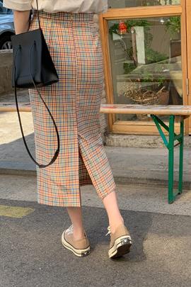 高腰H线条格纹半身裙