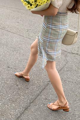 彩色格纹不规则半身裙
