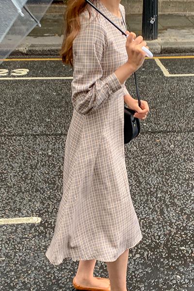 复古格纹长款连衣裙