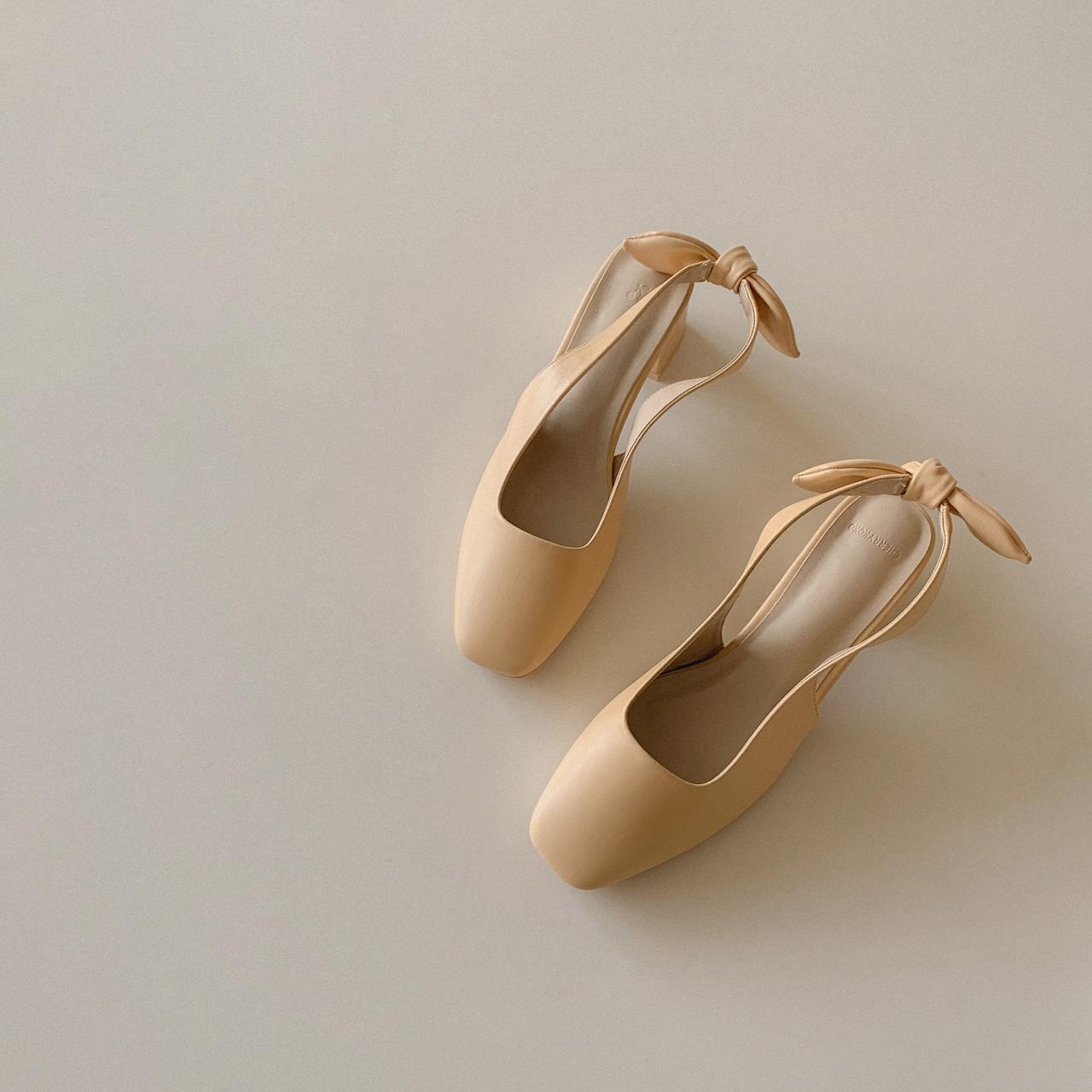 蝴蝶结中跟单鞋