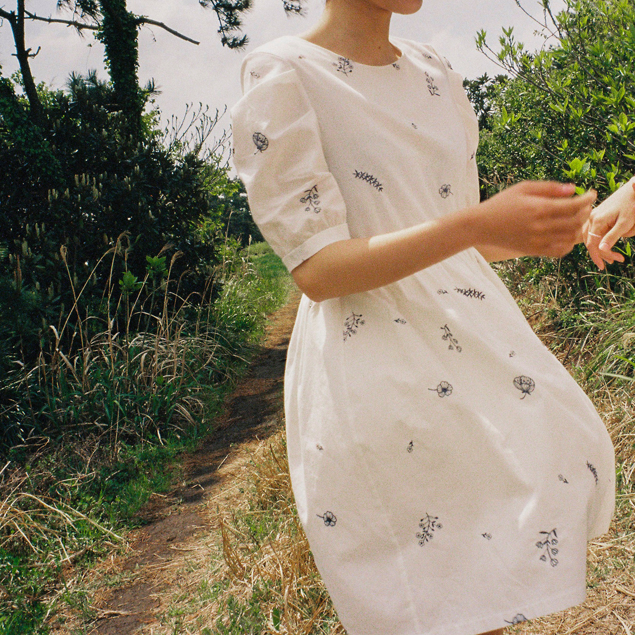 [Pre-Order] embroidered dress
